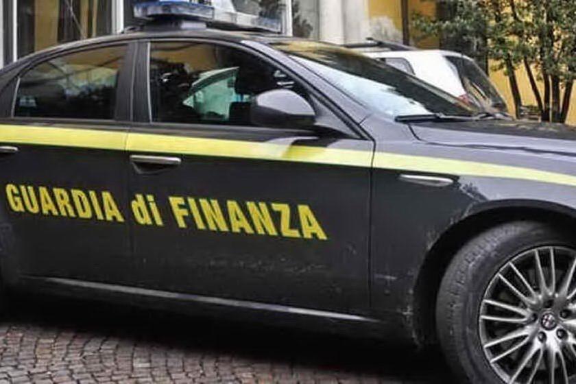 Maxi-frode sui carburanti: 17 indagati, sequestrata una villa in Costa Smeralda
