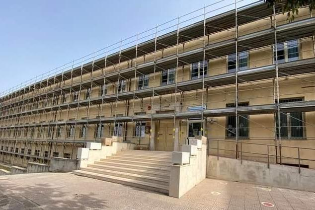 Sennori, nuovo look per la scuola elementare di via Marconi
