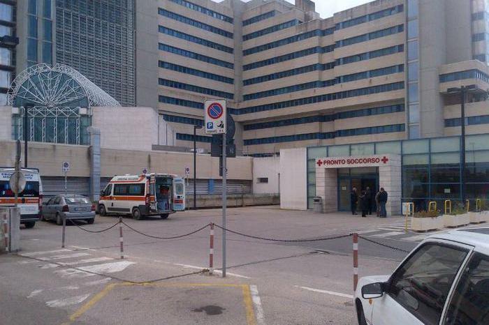 Cagliari, investita mentre attraversa la strada: grave una donna