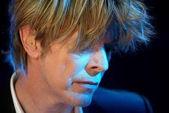 David Bowie oggi avrebbe compiuto 74 anni: il debutto su Tik Tok