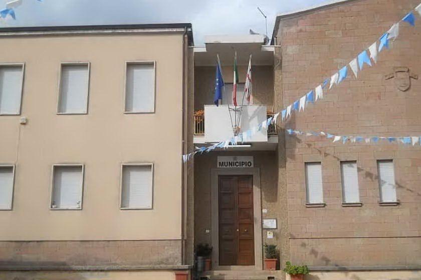 Pozzomaggiore, il municipio (foto L'Unione Sarda-Caria)