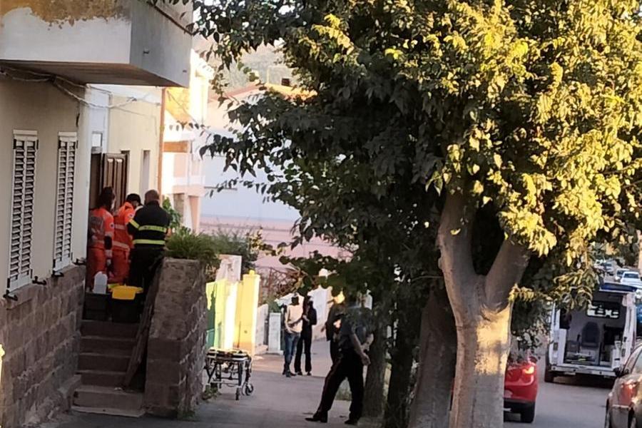 L'intervento di vigili del fuoco e 118 (L'Unione Sarda - Scano)