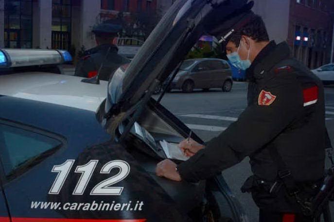 Scoperto dai carabinieri con la cocaina in tasca: 23enne nei guai a Guspini