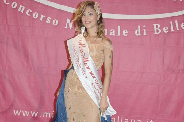 "Miss mamma, Carolina Putzolu da Santa Giusta è la più ""romantica"" d'Italia"