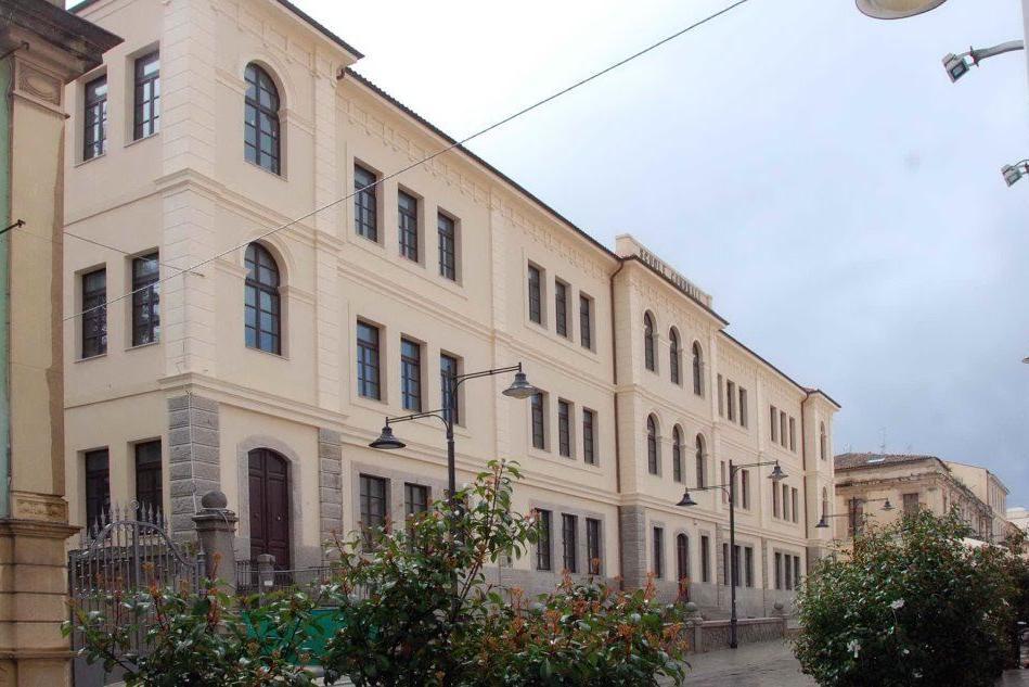 Scuole e Covid: Comune di Olbia, macrovariazione sul bilancio 2020-2022