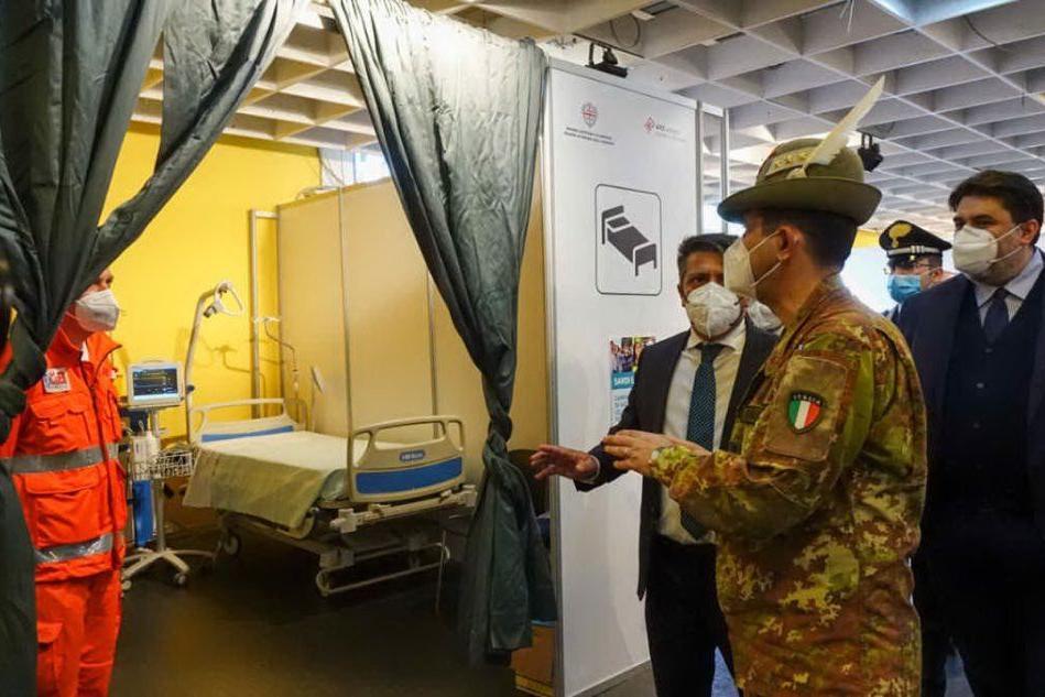 La visita del generale Figliuolo negli hub vaccinali di Cagliari