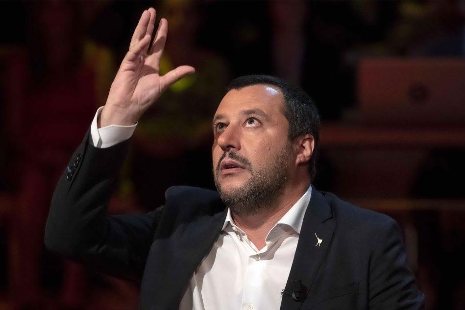 Salvini condivide l'intervista a un indagato per 'ndrangheta: è polemica