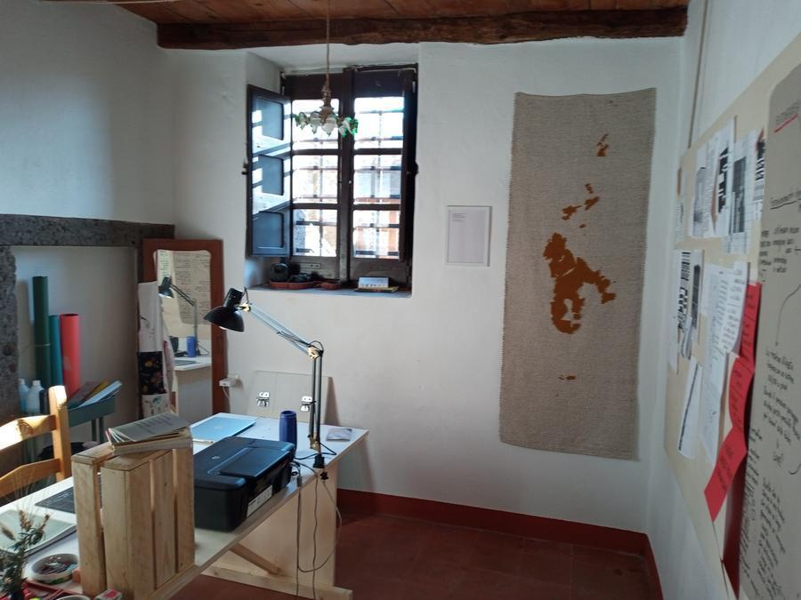 Il laboratorio artistico di Marco Loi (foto Pintus)