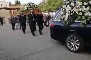 Lacrime e commozione per l'ultimo saluto a Maria Chiara Cordedda