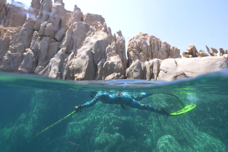 I mondiali di pesca in apnea tornano in Italia dopo 32 anni: la sfida ad Arbatax