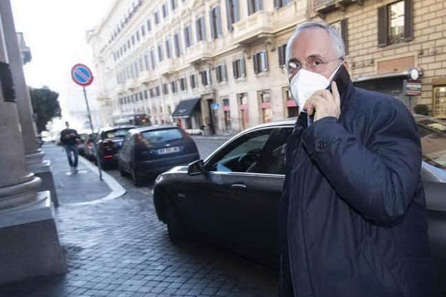 Violazione dei protocolli Covid: 7 mesi di stop a Lotito e 150mila euro di multa al club