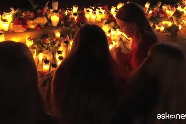 Norvegia, una veglia per le vittime: ipotesi terrorismo