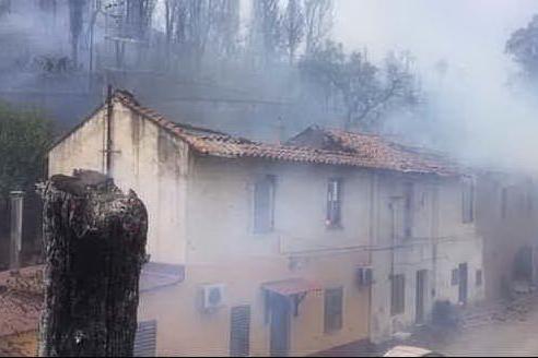 """Incendio di Iglesias, pesante bilancio dopo il disastro: """"Chi paga i danni?"""""""