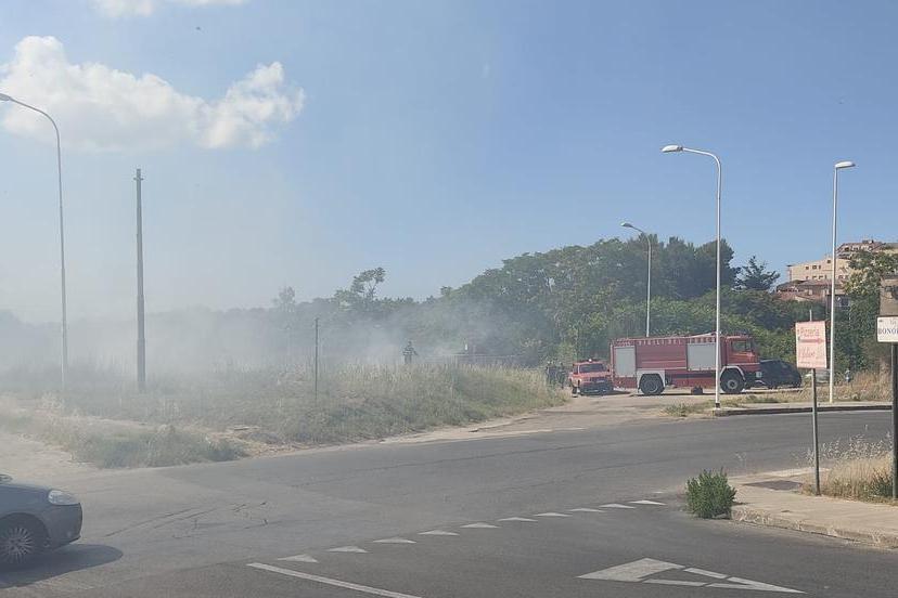 L'incendio (L'Unione Sarda - Tellini)