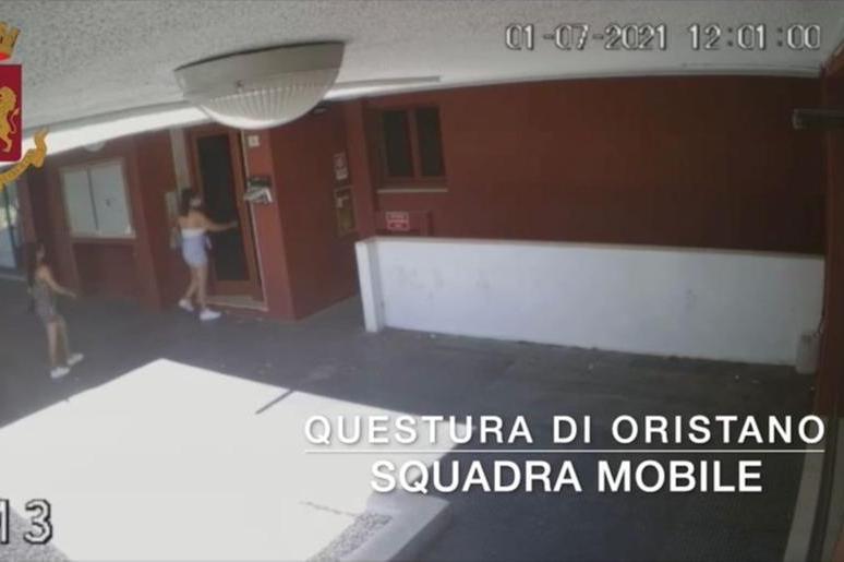 Si finge turista e ruba nelle case a Oristano, in cella una rom di 29 anni