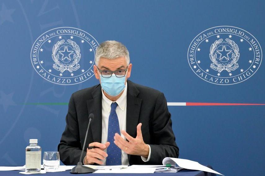"""Brusaferro: """"Nessun rinvio della terza dose per i sanitari"""""""