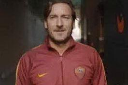 """""""Speravo de morì prima"""", in """"campo"""" il vero Francesco Totti"""