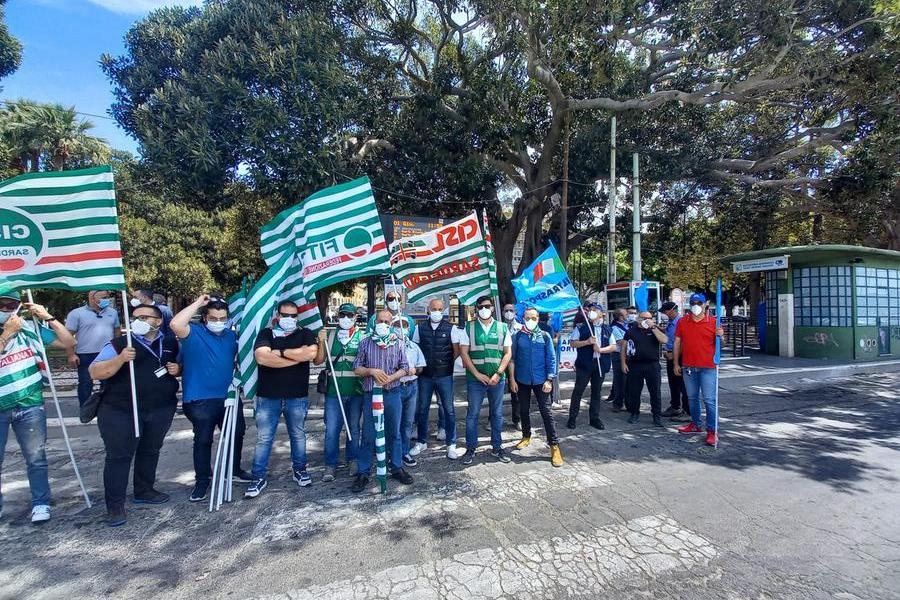 Sciopero trasporti,manifestazione a Cagliari per il rinnovo del contratto e la riforma del settore