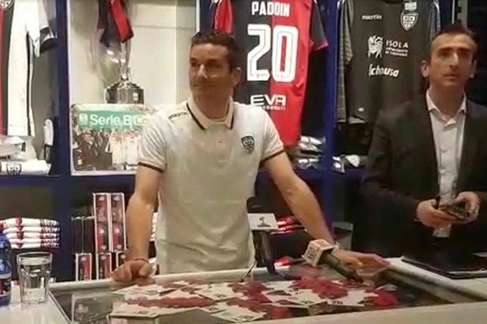 Simone Padoin incontra i tifosi nel Cagliari Store: il video