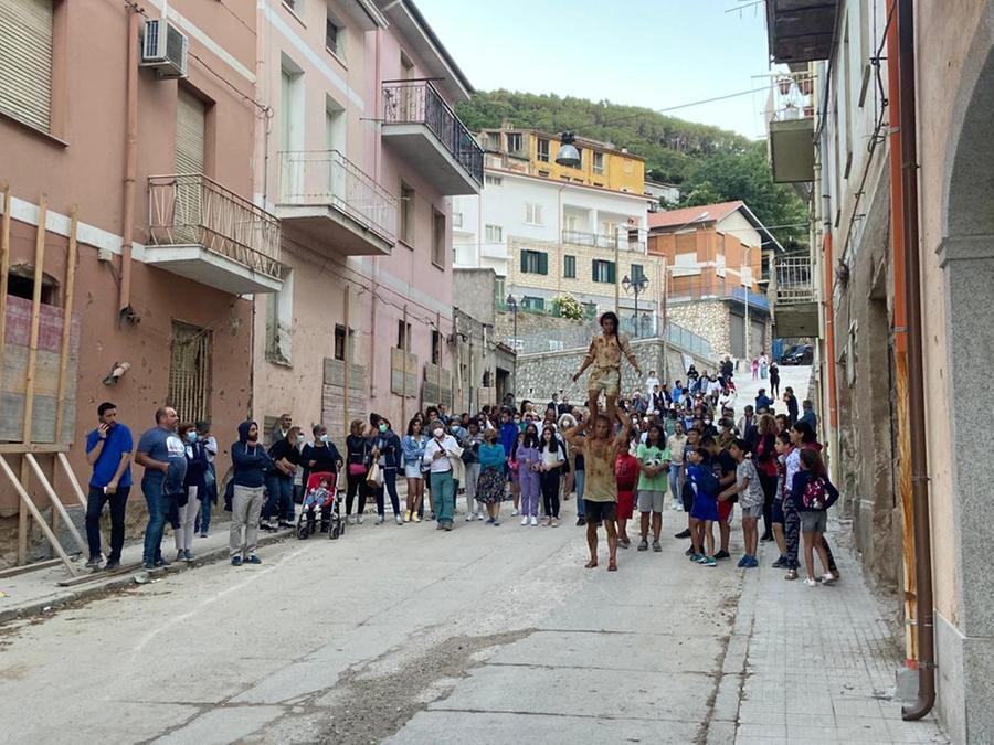 Spettacolo con la Carovana Smi a Bitti (foto concessa)