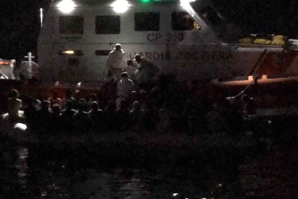 Migranti, Salvini nega lo sbarco a Lampedusa