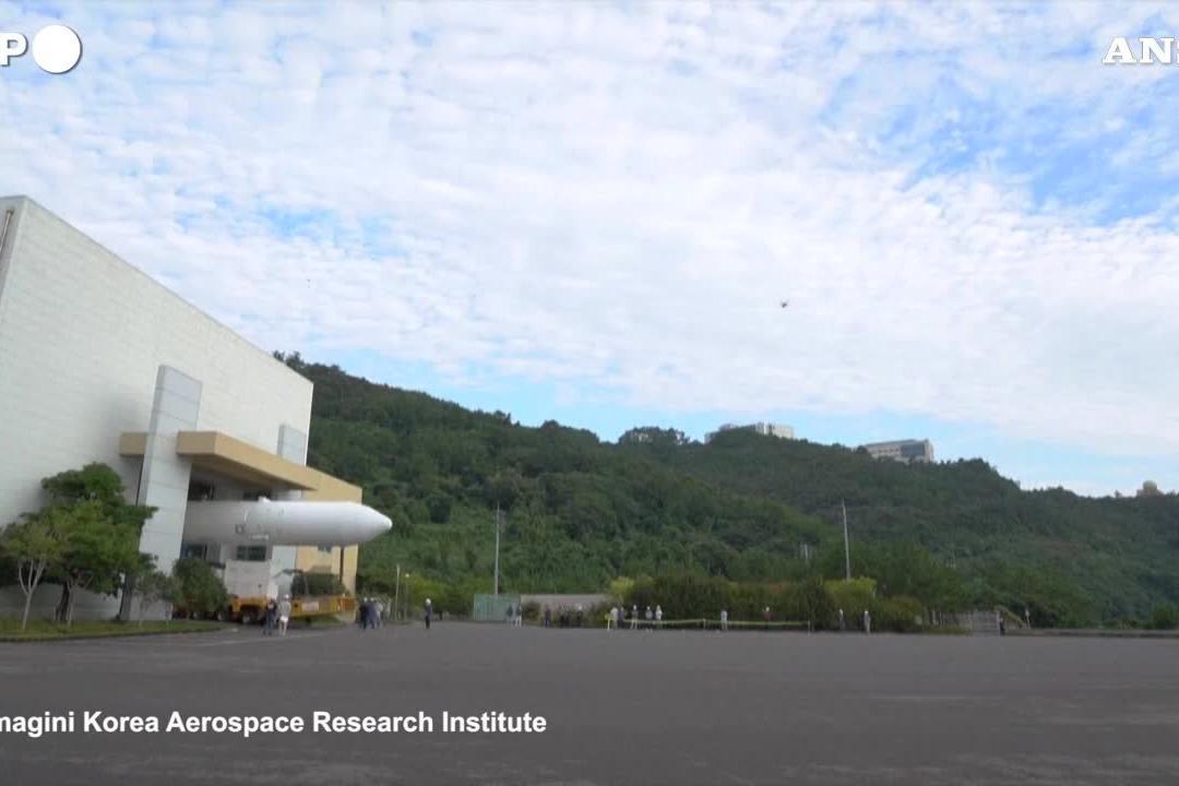 Corea del Sud, i test per il lancio del primo razzo spaziale
