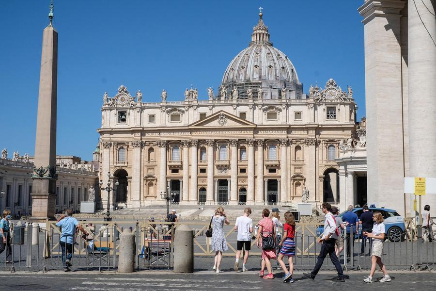 Green pass obbligatorio in Vaticano, ma non alla messa