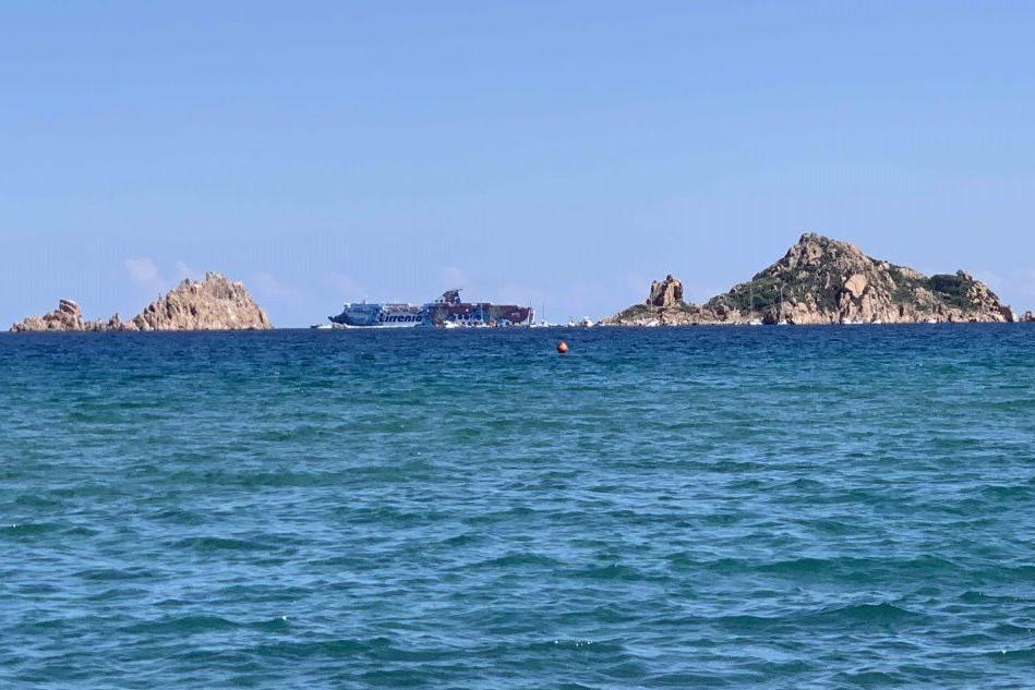 Ultimo viaggio per Genova: la Tirrenia chiude il collegamento stagionale