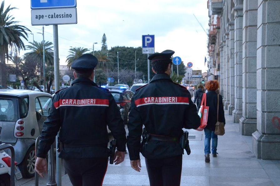 Doppio furto nella stessa giornata a Cagliari: coppia bloccata