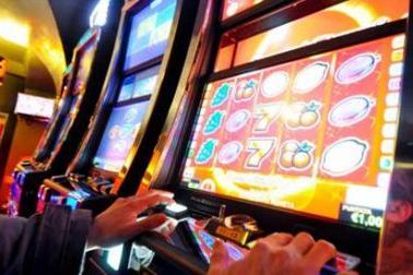 Slot machine irregolari: circolo privato sanzionato per 33mila euro a Cagliari