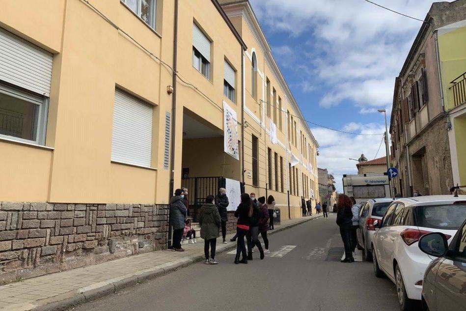 La scuola elementare di Cabras (L'Unione Sarda - Pinna)