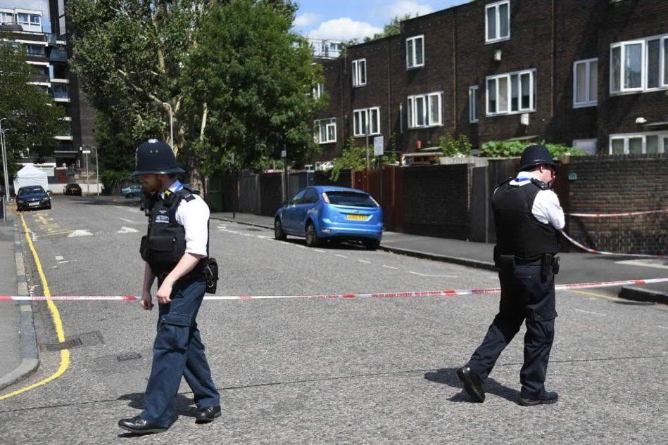 Londra violenta, sparatorie e accoltellamenti tra giovanissimi: tre morti