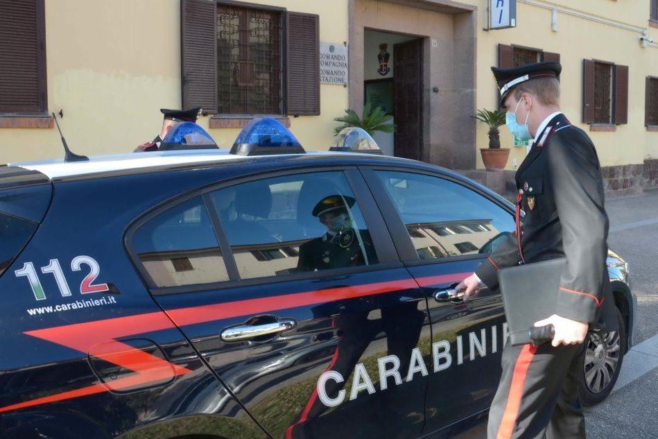 Truffano un operaio di Villacidro, in tre accusati anche di tentata estorsione