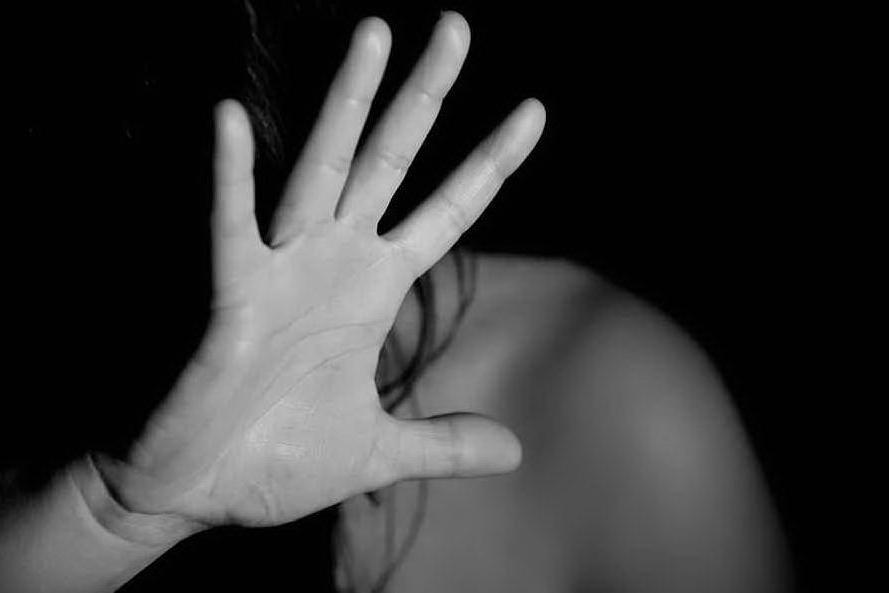Violenza sulle donne: vittime e carnefici spesso italiani, l'aguzzino ha le chiavi di casa